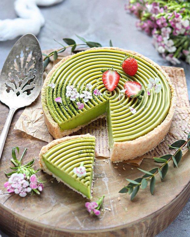 Vikend recept: Matcha panna cotta torta (veganska, brez glutena in predelanih sladkorjev) (foto: Instagram/Mei Yee)