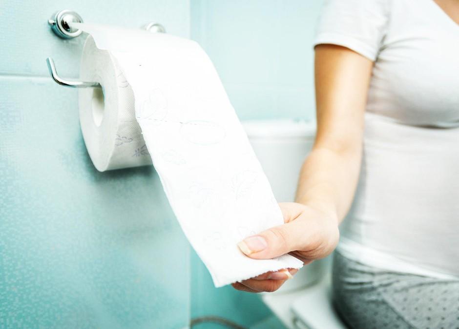 To o tvoji osebnosti pove način, kako obešaš rolico toaletnega papirja! (foto: Profimedia)