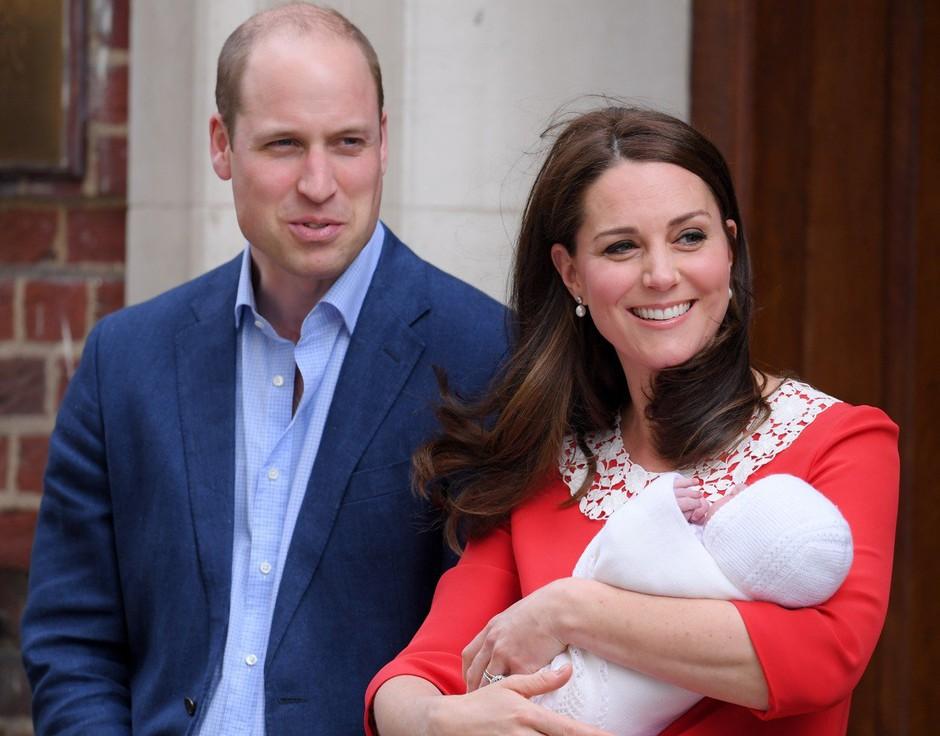 Kate in William z malim princem že doma (foto: Profimedia)