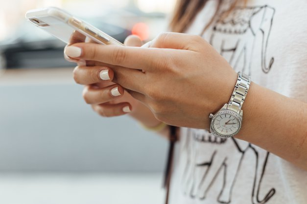 S TEM trikom lahko telefon najdeš, tudi če imaš izklopljen zvok! (foto: Unsplash.com/@ Paul)