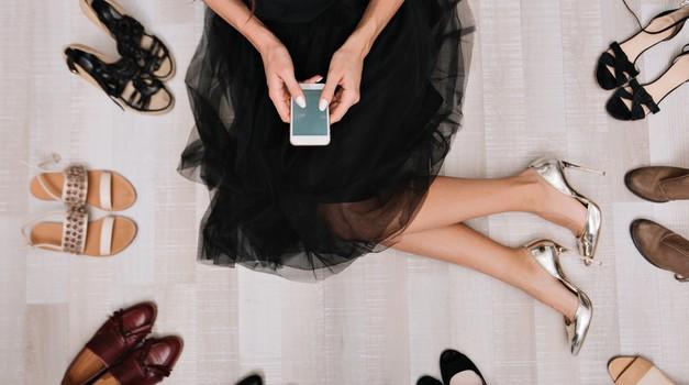 Modni nasveti za trendi obutev priznanih modnih blogerk (foto: shutterstock)
