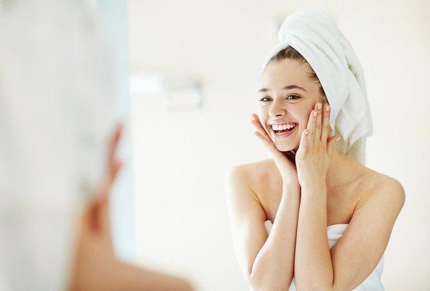 Preveri, kaj se zgodi če si obraz umivaš z jabolčnim kisom! (foto: Profimedia)