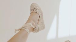 7 idej, kako (pravilno) nositi sandale s trakovi!