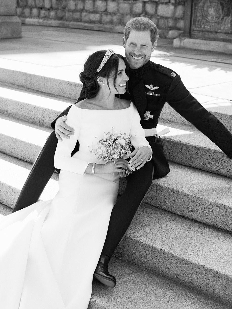 Harry in Meghan: Ganljivi detajli, s katerimi sta se na poroki poklonila pokojni princesi Diani (foto: profimedia)