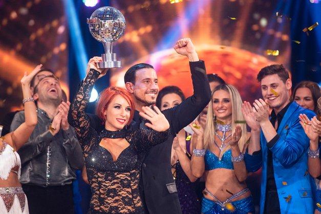 """Natalija po zmagi (Zvezde plešejo) z ganljivim zapisom: """"Bilo je (pre)lepo. Od tu naprej me čaka nov začetek"""" (foto: POP TV)"""