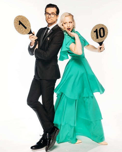 Nika Ambrožič Urbas, sodnica v šovu Zvezde plešejo, od katerega smo se preteklo nedeljo za (predvidoma) eno leto poslovili, že …