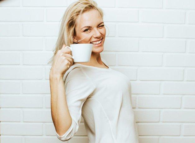 Če si zobe umivaš PO jutranji kavi, MORAŠ prebrati tole! (foto: Profimedia)