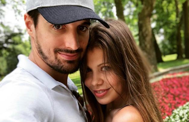 Luka Šulić (2Cellos) uživa z družino na dopustu na Obali (foto: Instagram.com/lukasulic)
