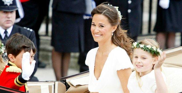 Poglej, kako HUDEEEE sandale je ta teden obula Pippa Middleton (modna javnost je navdušena!) (foto: Profimedia)