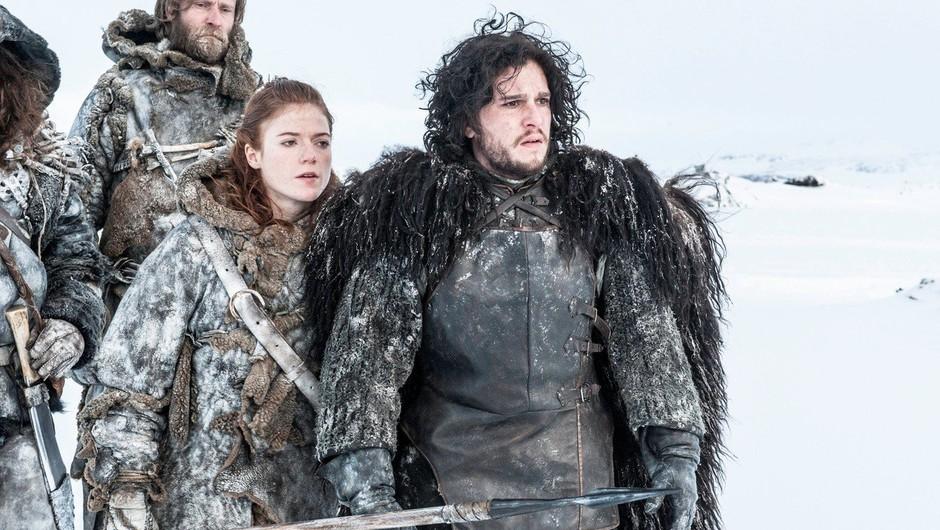 V seriji sta takšna, na svoj poročni dan pa sta Rose Leslie in Jon Snow preprosto BLESTELA! (foto: Profimedia)