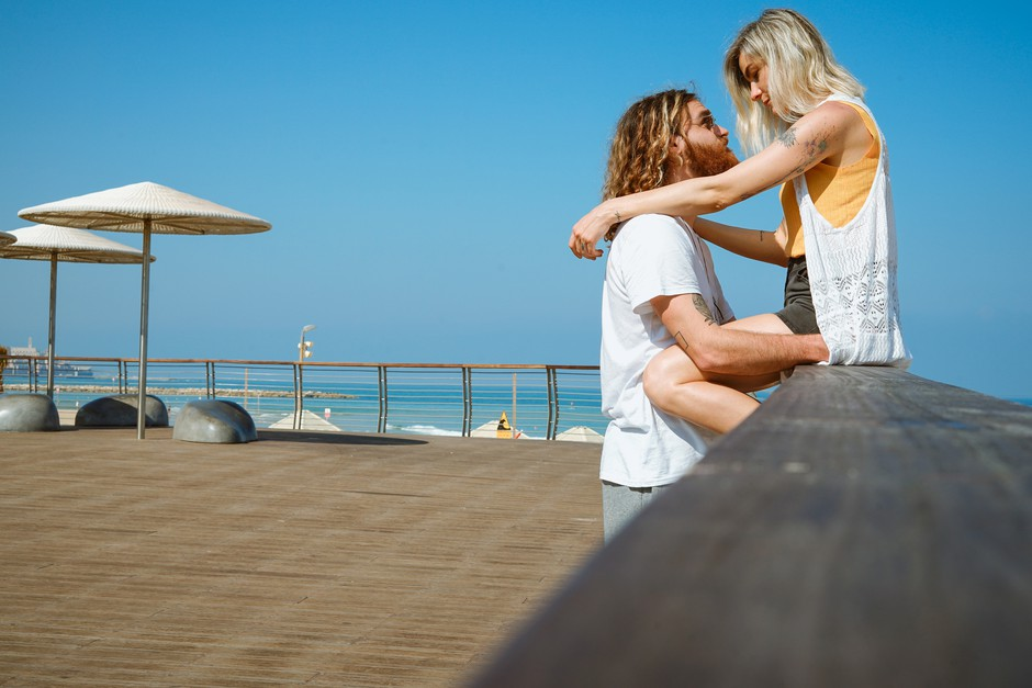 6 astroloških znamenj, s katerimi je poletna romanca nepozabna! (foto: Unsplash/Toa Heftiba)