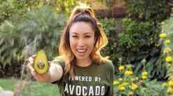 Popularna fitnes YouTuberka razkriva, kaj se zgodi, če vsak dan narediš 100 počepov