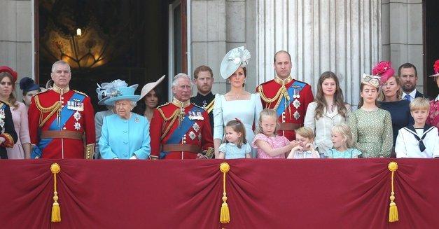 Kraljeva družina ima nov (uradni) portret in mi se topimo! (foto: Profimedia)