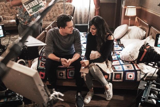 Igralke in igralci serije Reka ljubezni so s snemanjem tretje sezone pričeli praktično neposredno po zaključku druge. Tik preden so ...