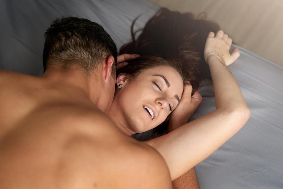 """""""Večina porničev je posnetih tako, da kažejo njegov užitek - in ne njen!"""" (ženske o XXX filmih) (foto: Getty Images)"""