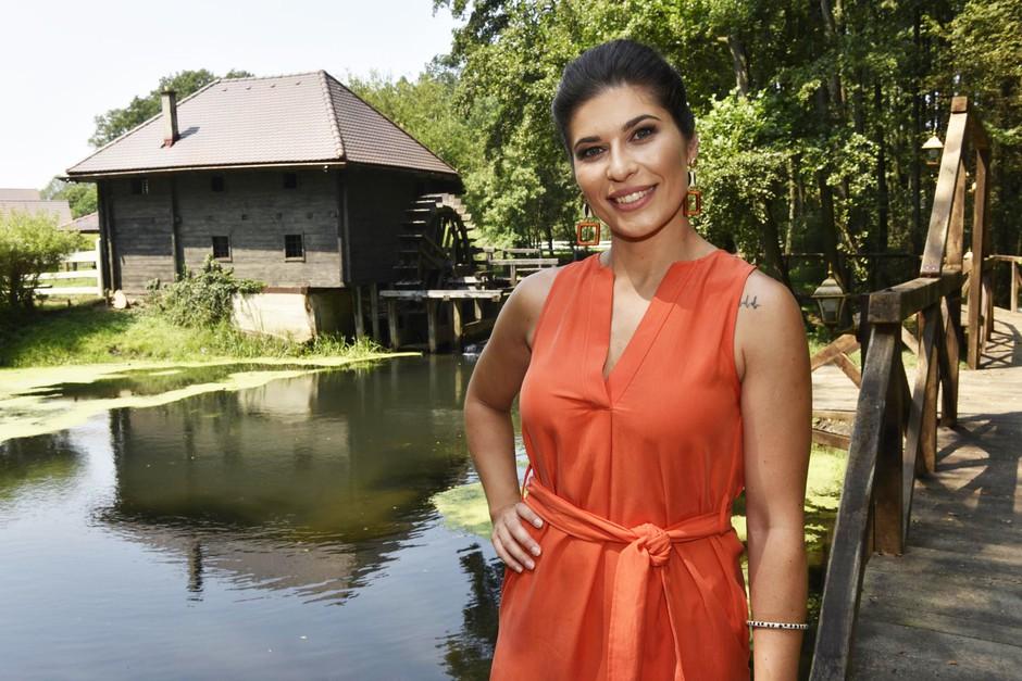 Poglej, kje bodo živeli tekmovalci šova nova Kmetija (ki ga bo vodila Natalija Bratkovič) (foto: Igor Zaplatil)
