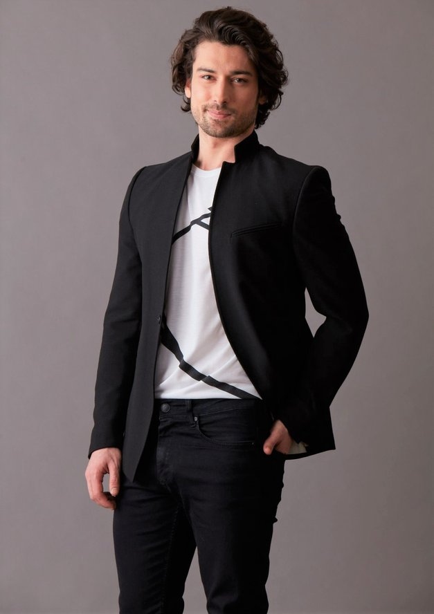 VAU! Bo ta postavni turški igralec prekosil priljubljenost  Buraka Özcivita (Moja boš)? (foto: POP TV)