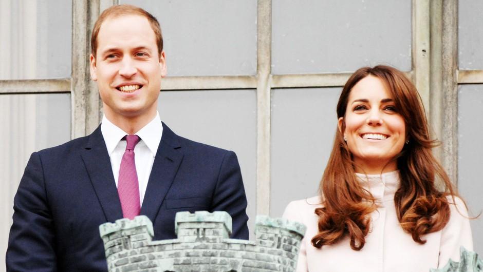 Iiiiiiii! Ta romantični trenutek Kate in Williama si na kraljevi poroki (skoraj) zagotovo zamudila (foto: Profimedia)