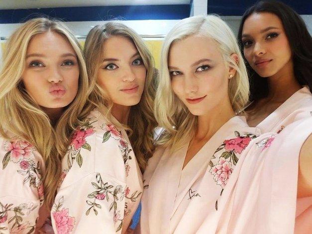 Modne blogerke to jesen v laseh nosijo EN dodatek, in to NI rutka (foto: Profimedia)