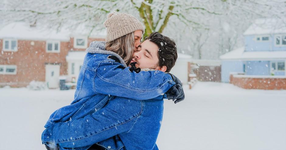 Če v tem trenutku nekoga pogrešaš, obvezno poglej TA video (foto: Unsplash.com/@ToaHeftiba)