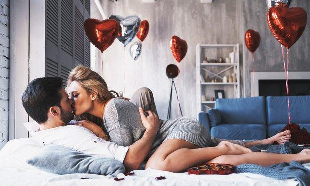 """""""V življenju vsakega moškega je ženska, ki je nikakor ne more pozabiti"""" (piše Cosmo moški) (foto: Shutterstock)"""
