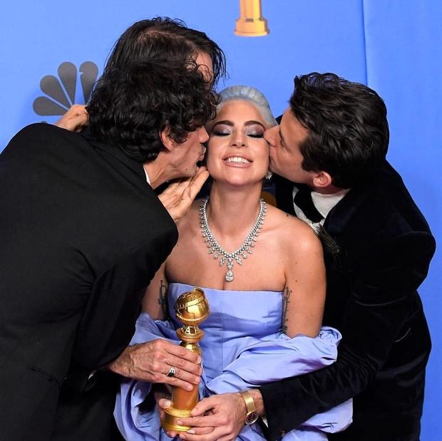 Eden izmed največjih dogodkov v filmski industriji, Golden Globes, je tudi letos postregel s čudvitimi zvezdniškimi opravami, a tudi nepozabnimi ...
