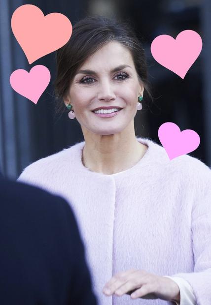 Španska kraljica Letizia velja za pravo modno ikono, ki rada poseže tudi po bolj dostopnih znamkah. Tokrat nas je vse …