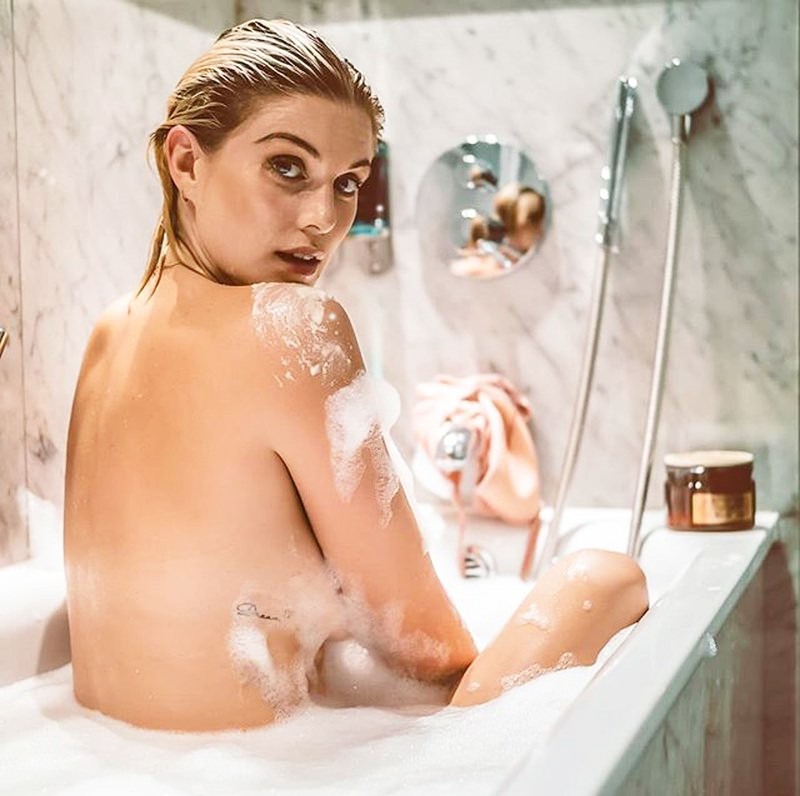 Si pod tušem najprej umiješ prsni koš ali podpazduho? Preveri, kaj to razkriva o tvoji osebnosti! (foto: Profimedia)