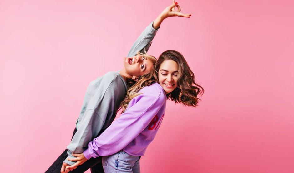 8 NORO dobrih namigov, kako DANES praznovati Valentinovo za prijateljice (Galentine's Day) (foto: Shutterstock)