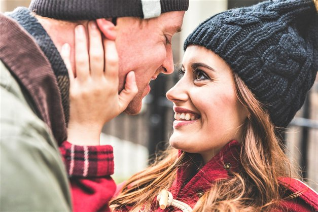 Ne boš verjela, kje lahko letos zelo verjetno srečaš svojo ljubezen (foto: Profimedia)