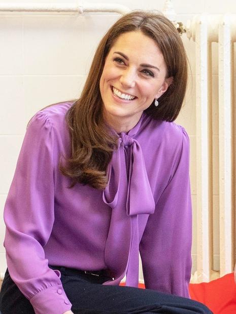 Kate Middleton je prava modna ikona in vse, kar obleče, naravnost obožujemo! Pred nekaj dnevi nas je popolnoma navdušila s ...