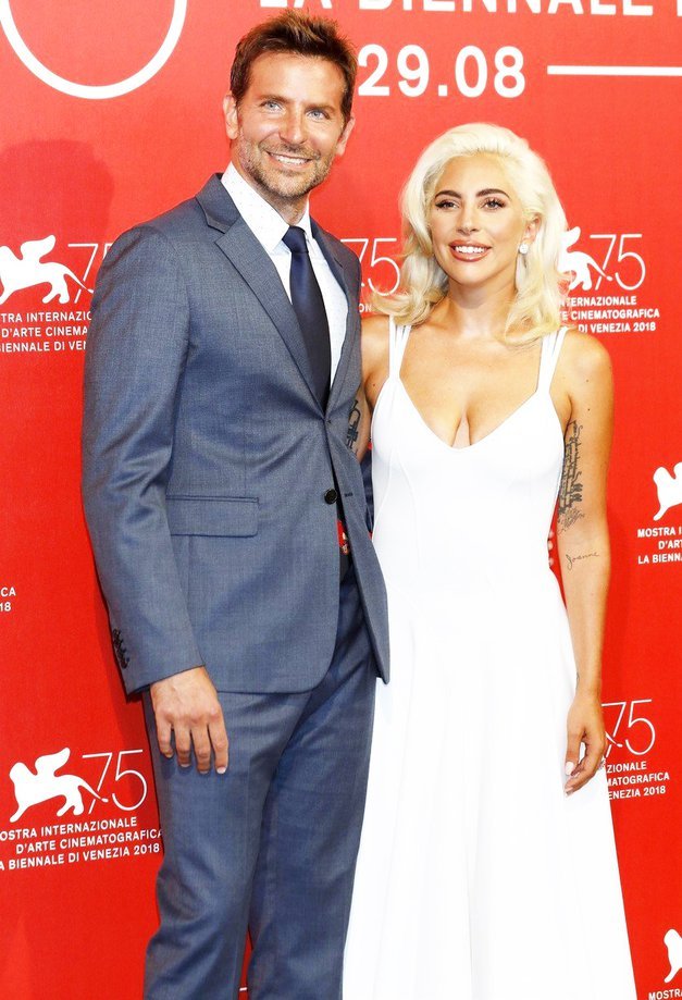 Lady Gaga: 'Govorite, da sem noseča? Ja, noseča sem' (foto: Profimedia)