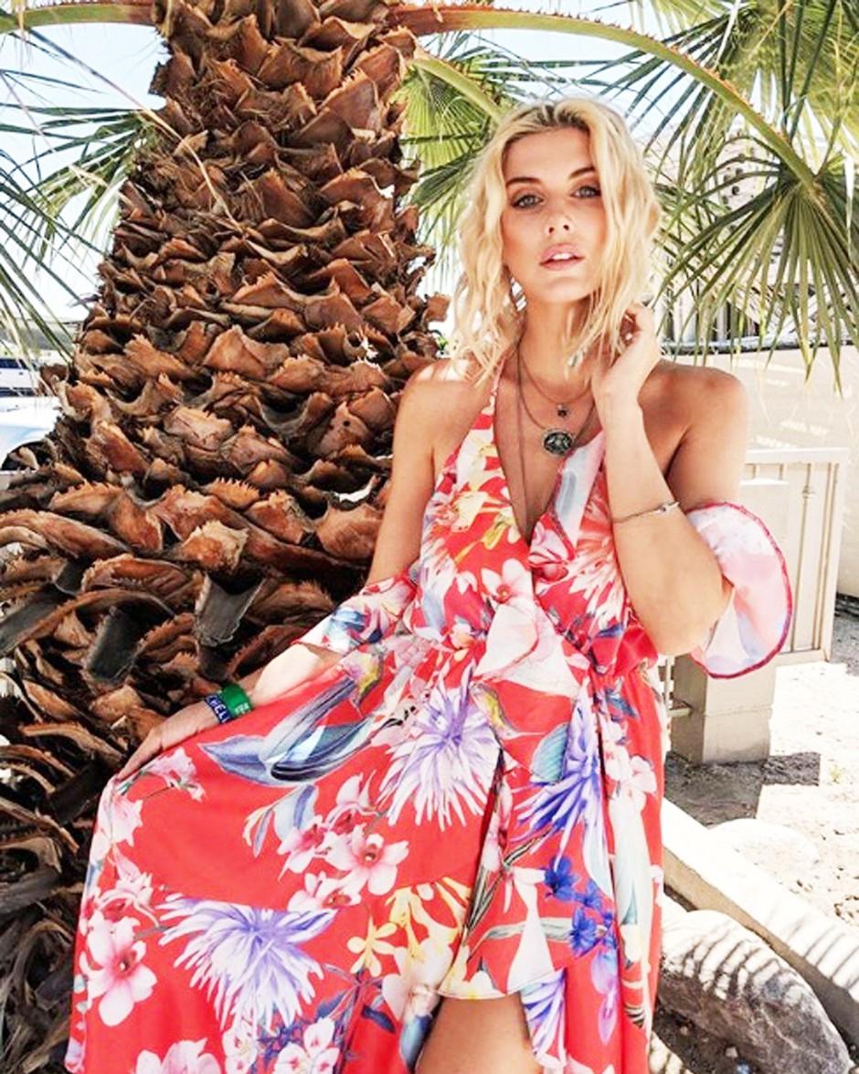 Maksi obleke: Razkrivamo 3 TRIKE, ki jih pri stiliranju letos upoštevajo vsa 'IT dekleta' (foto: Profimedia)