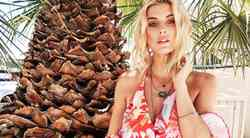 Maksi obleke: Razkrivamo 3 TRIKE, ki jih pri stiliranju letos upoštevajo vsa 'IT dekleta'