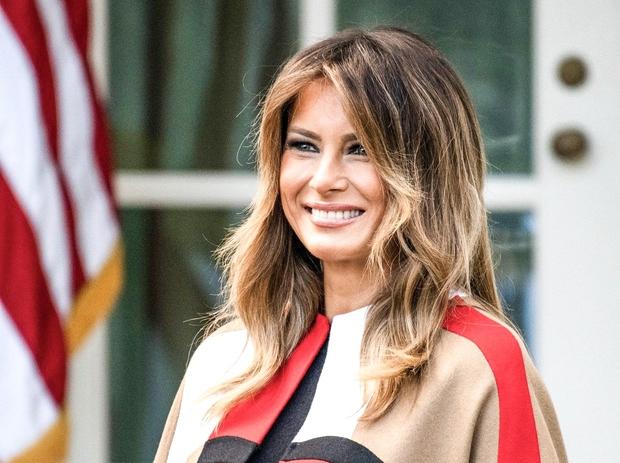 Melania Trump nam je v času, odkar je prva dama ZDA, postregla s številnimi fantastičnimi modnimi stajlingi in vedno smo …