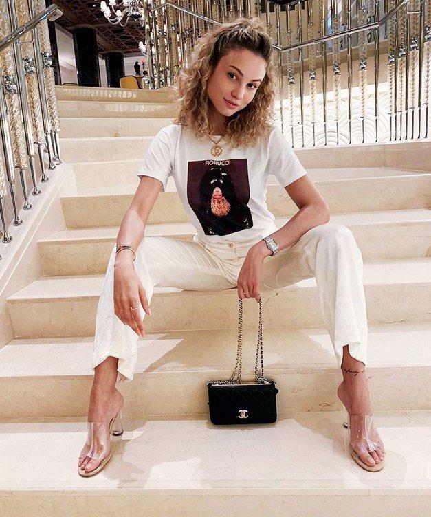 Uau! Te 4 majice iz H&M so se to poletje znašle v omarah VSEH modnih deklet (foto: Profimedia)