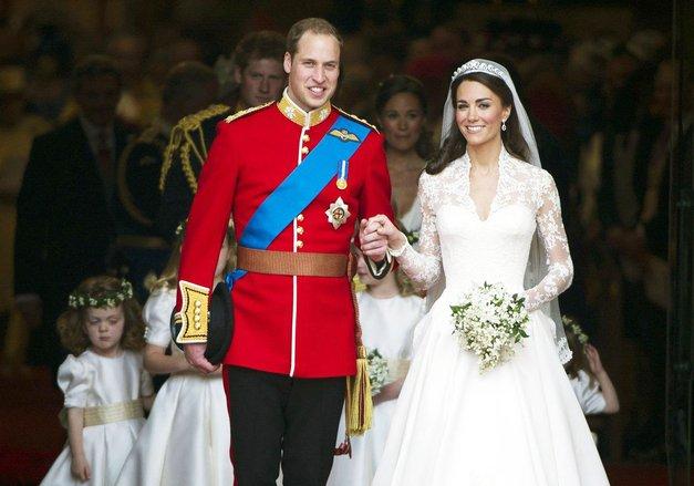 RECEPT: TO božansko ČOKOLADNO torto sta William in Kate postregla na svoji poroki (BREZ PEKE!) (foto: Profimedia)
