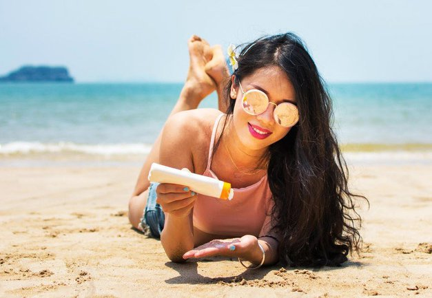 Ne veš, katero sončno kremo bi kupila? Na uredništvu uporabljamo TE (foto: Profimedia)