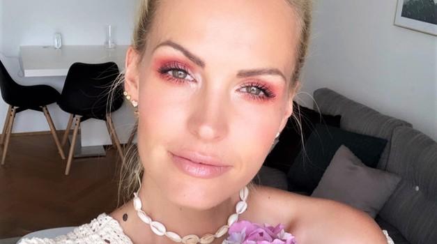 VIDEO: Tako ustvariš popoln poletni make-up Tjaše Kokalj Jerala (v samo nekaj minutah!) (foto: Tjaša Kokalj Jerala)