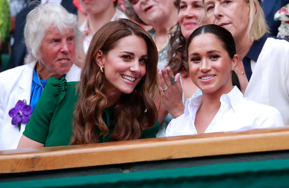 TO so EDINE kavbojke, na katere prisegata Meghan Markle in Kate Middleton (foto: Profimedia)