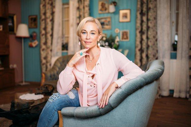 Nina Ivanič (Reka ljubezni) je za novo vlogo ponovno popolnoma spremenila videz (foto: Ana Gregorič)