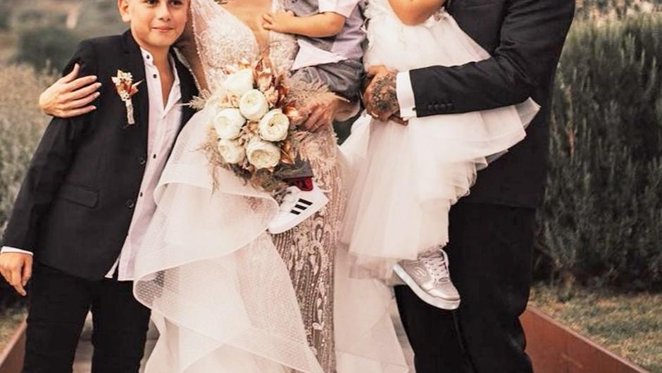 Teja in Jani priznala, da to 👇 ni bila PRAVA poroka - na skrivaj sta se poročila že PREJ, in to je VSE, kar vemo! (foto: Instagram/coolmamacitaa, foto Jana Šnuderl)