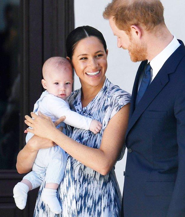 Meghan Markle se vrača pred kamere, tokrat s princem Harryjem in malim Archijem (foto: Profimedia)