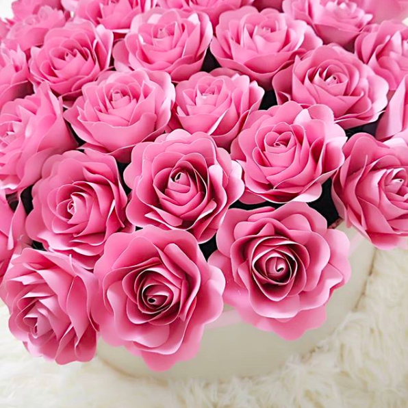 Si že videla TE ročno izdelane ROŽICE, ki so popolnoma navdušile Instagram? (foto: Instagram.com/lampetie_blossom)